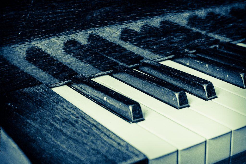 "Foto: © Bjørn Ivar Haugen, ""Piano in blue"""