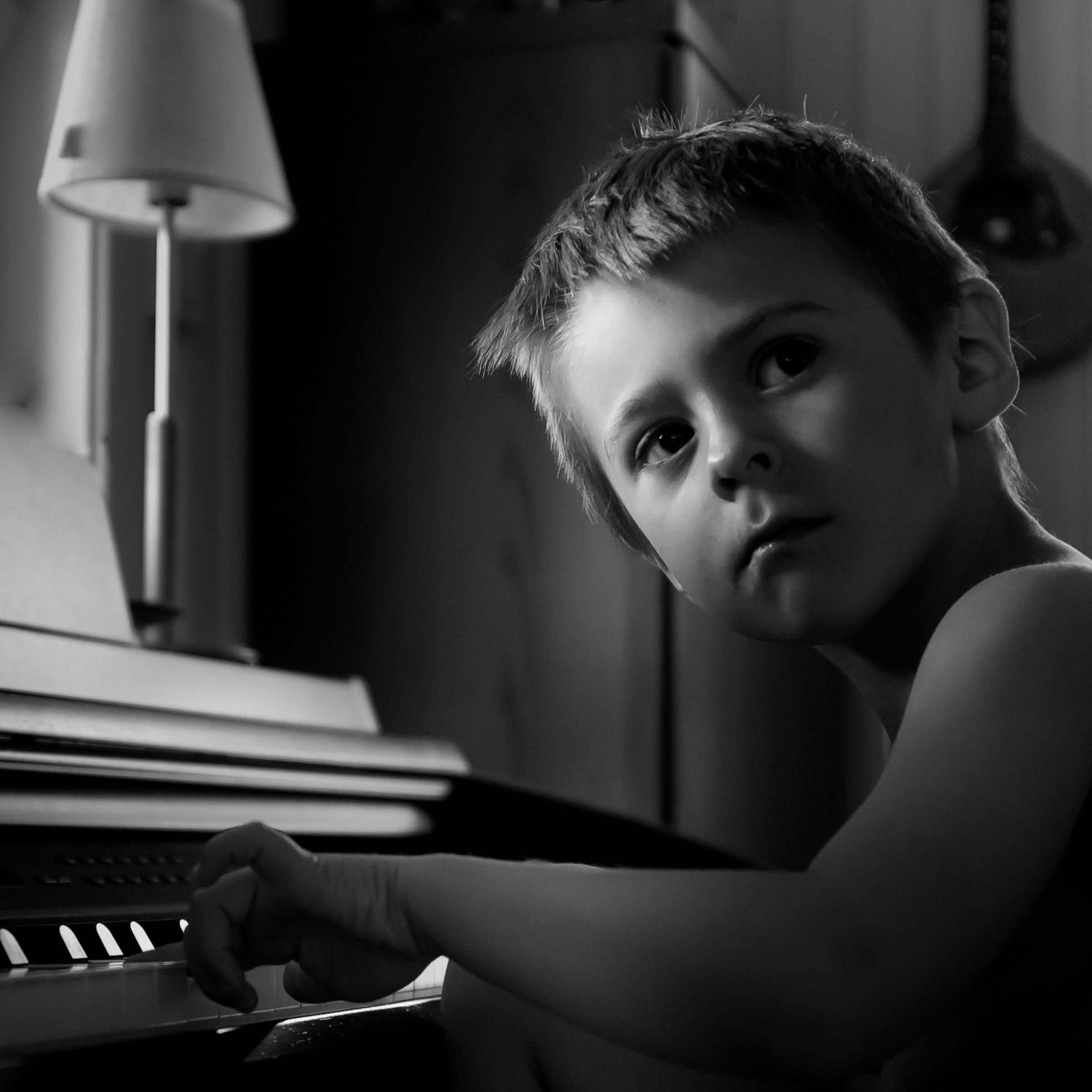 """Foto: © Leif Erling Aasan, """"Er jeg flink, mamma?"""""""
